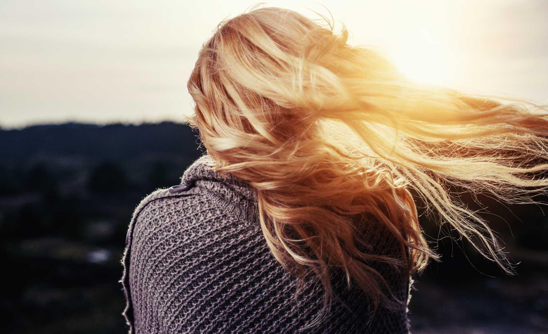 protesi capelli donna ferrara su misura impianto capillare membrana parrucca femminile patch cutanea